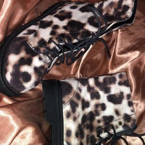FOREVER 21 Woman's animal print shoes
